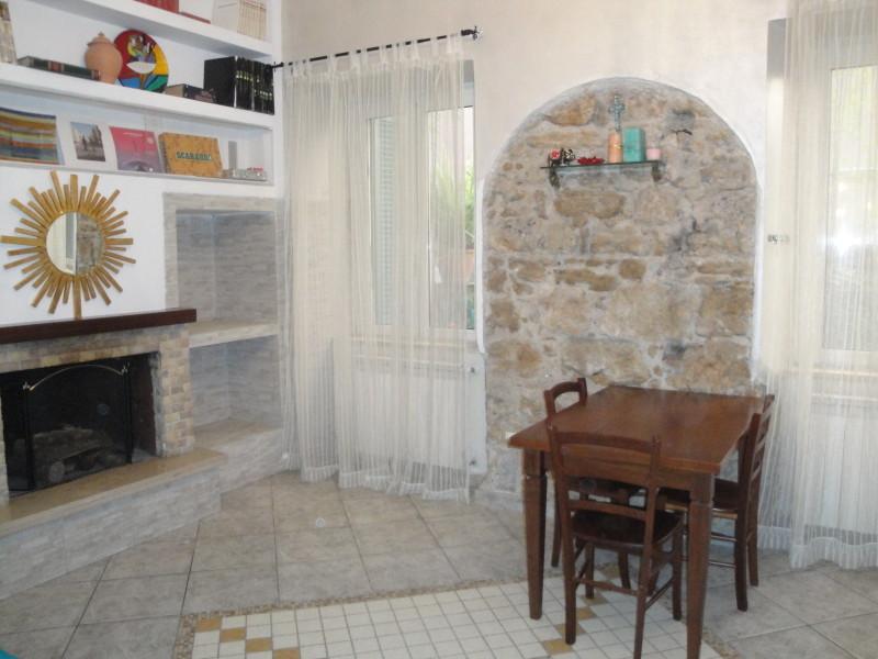 zona pranzo monolocale iris guest house battipaglia