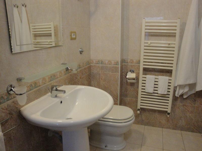 bagno in camera narciso B&B Battipaglia affittacamere casa vacanze