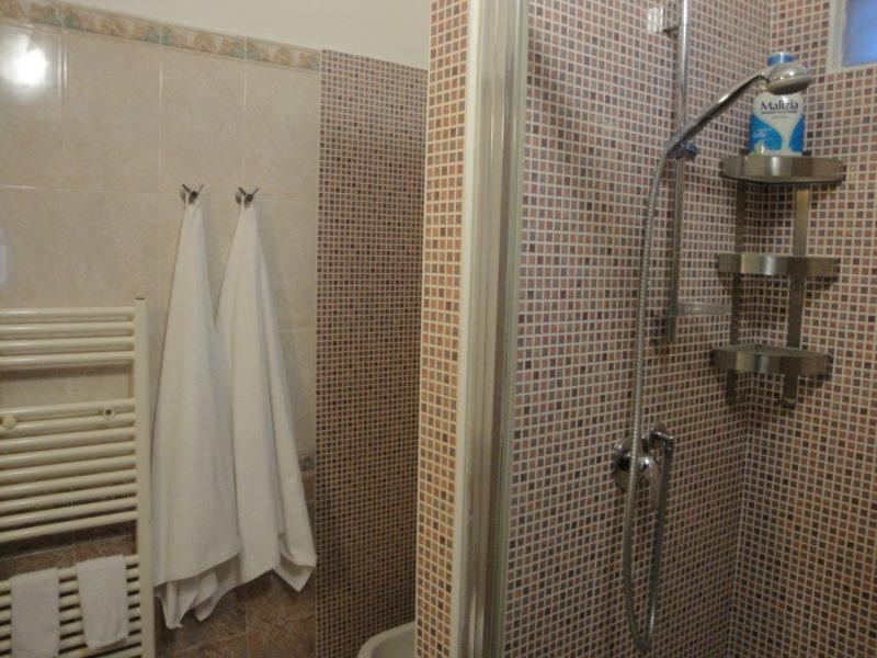 bagno privato bilocale narciso B&B Battipaglia affittacamere casa vacanze