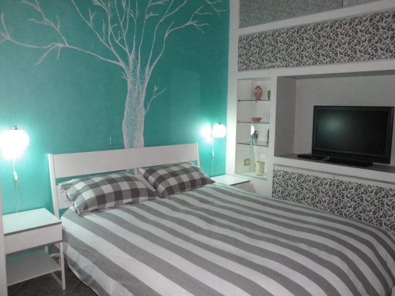 letto matrimoniale camera monolocale Iris bed and breakfast battipaglia affittacamere casa vacanze