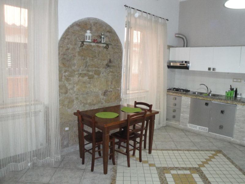 vista zona pranzo monolocale camera iris bed and breakfast battipaglia affittacamere casa vacanze