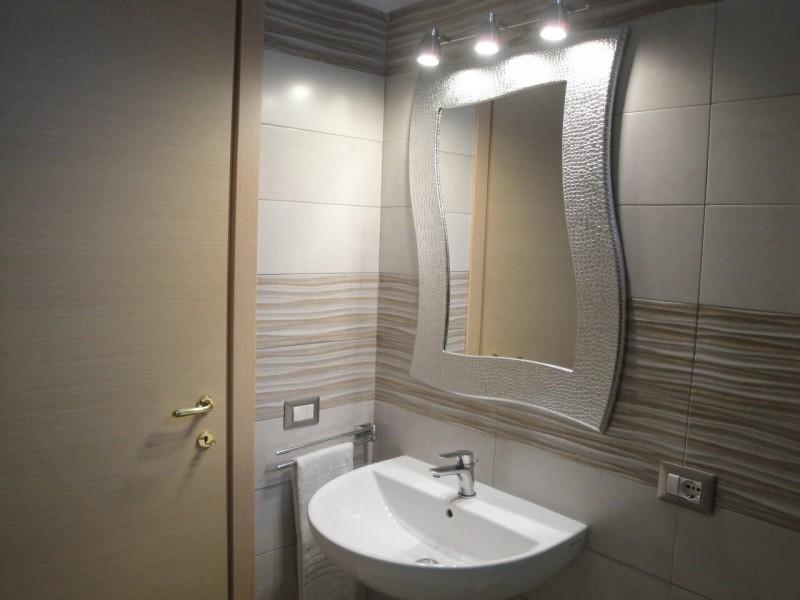 B&B Battipaglia Guest House Girasole private bathroom 1