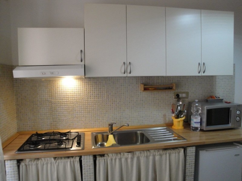 B&B Battipaglia Guest House Narciso private kitchen 3