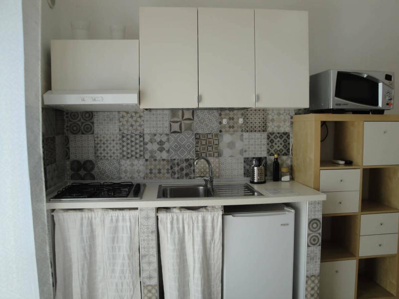 angolo cucina camera fiordaliso B&B battipaglia affittacamere casa vacanze