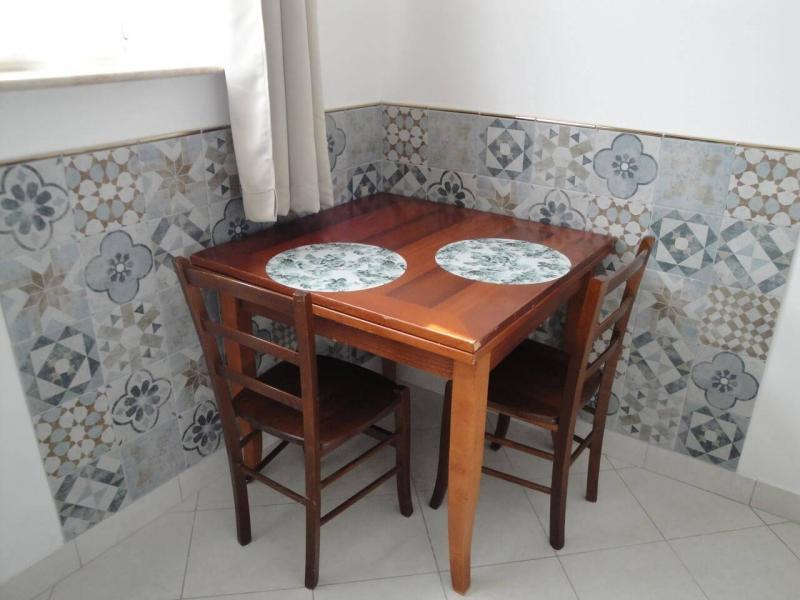angolo pranzo girasole camera bed and breakfast battipaglia