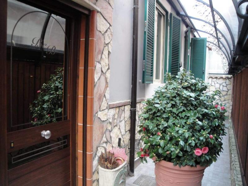cortile privato ingresso struttura bed and breakfast battipaglia affittacamere
