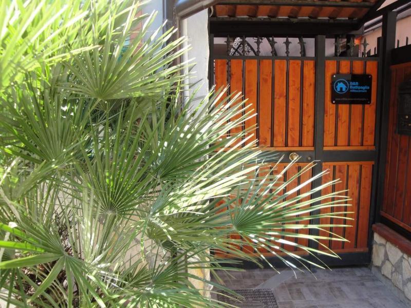 ingresso cancello bed and breakfast battipaglia affittacamere casa vacanze