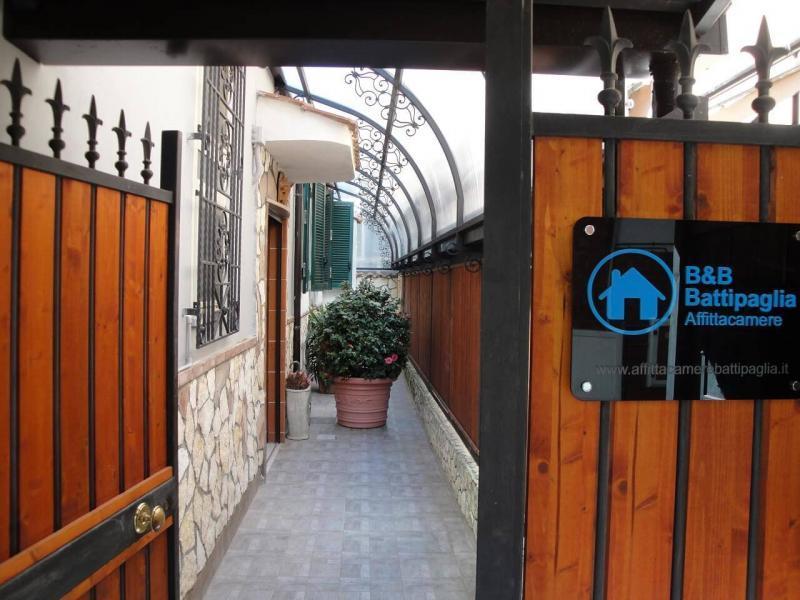 ingresso privato cancello bed and breakfast battipaglia affittacamere casa vacanze