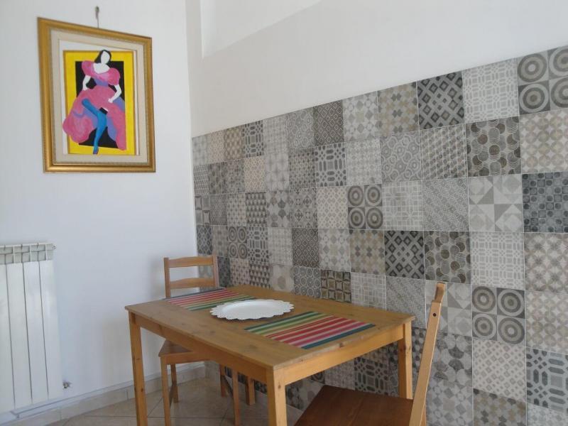 zona pranzo camera fiordaliso B&B battipaglia affittacamere casa vacanze