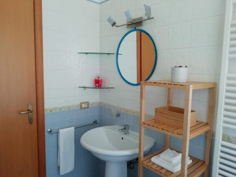 Bagno in camera monolocale Fiordaliso bed and breakfast battipaglia affittacamere